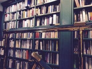 'Compás de espera' entre los grandes de la  poesía contemporánea (Casa del Libro, Gran vía, Madrid)